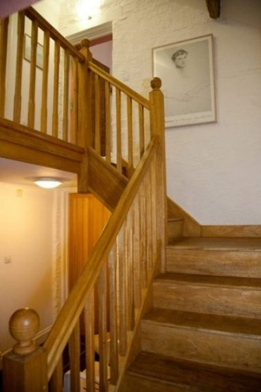 Self-catering cottage Machynlleth, stairway to upper level