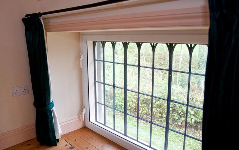 Gallery-window