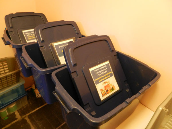 Guest-house-Recycling-boxes