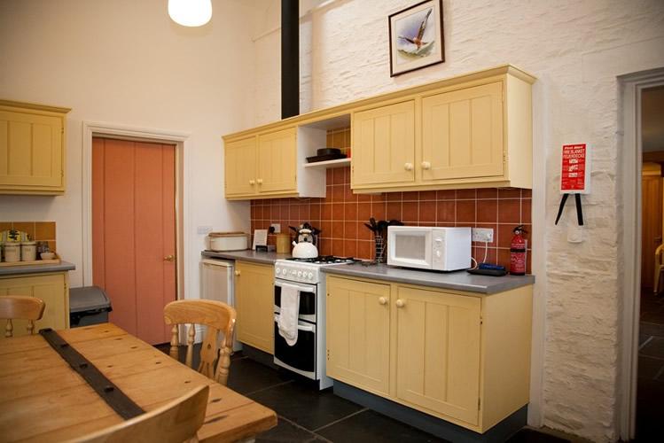 Kitchen-cooker