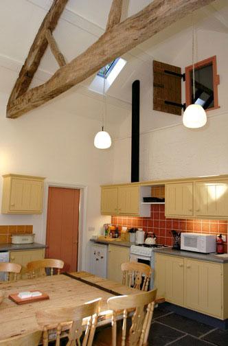 Yr-hen-stablau-kitchen